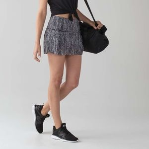 Lululemon Lost In Pace Skirt Air Time White Black